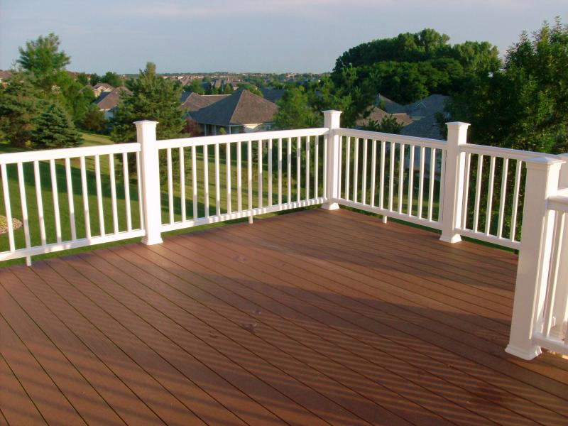 TimberTech XLM in Mountain Cedar with Classic White RadianceRail
