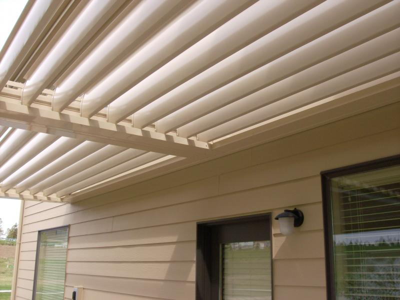 Equinox™ Louvered Roof